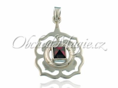 Stříbrné čakrové šperky-Přívěsek kořenová čakra Muladhara s granátem