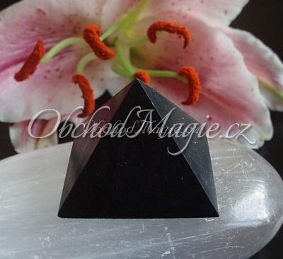 Pyramidy-PYRAMIDA, ŠUNGIT, matná, 3 cm